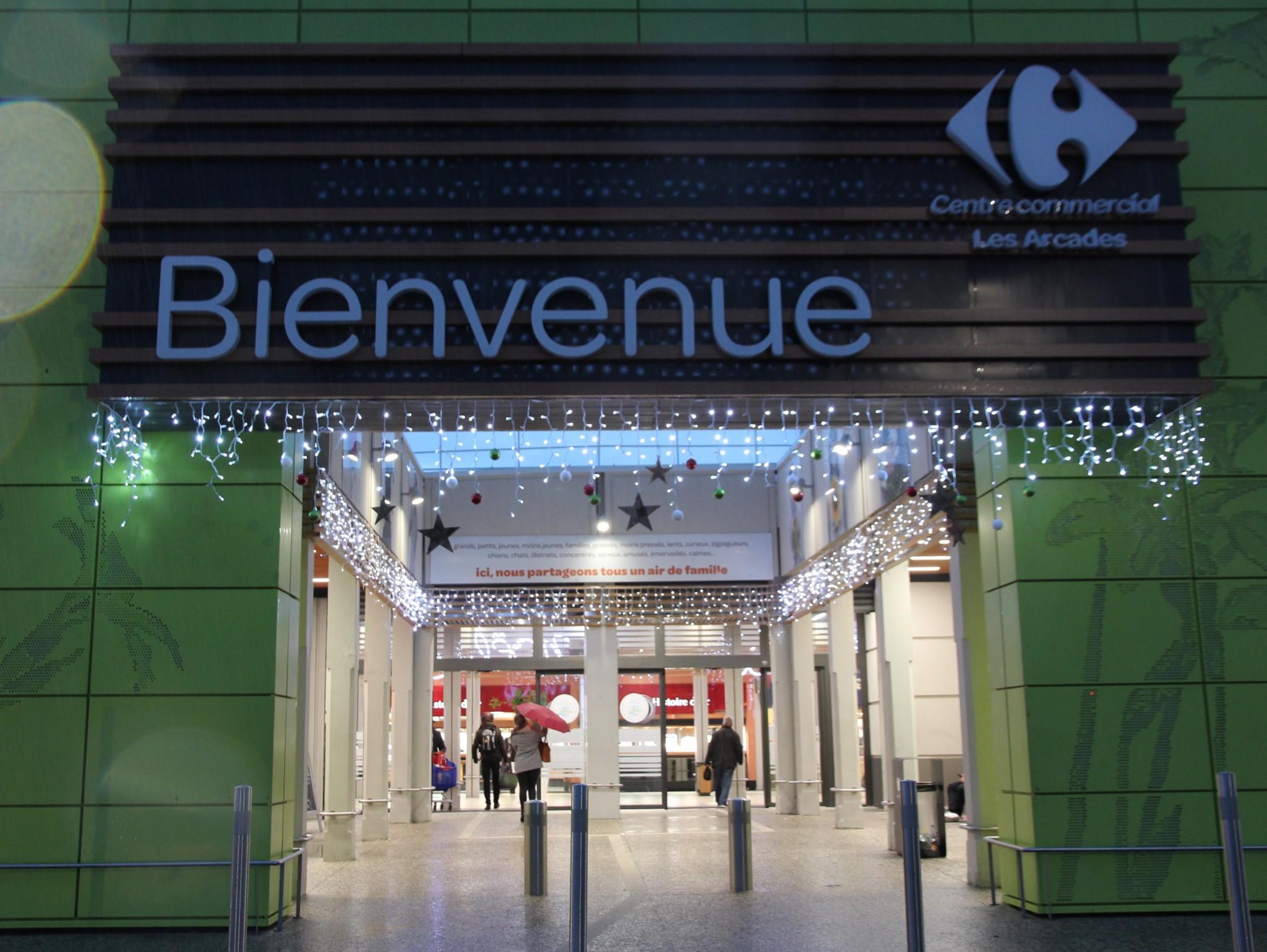 centre commercial carrefour les arcades saint jean de v das. Black Bedroom Furniture Sets. Home Design Ideas